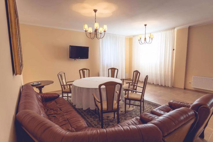 Pogostite.ru - ЛЕСНОЕ Отель Заповедник | г. Малоярославец | Киевское шоссе #66