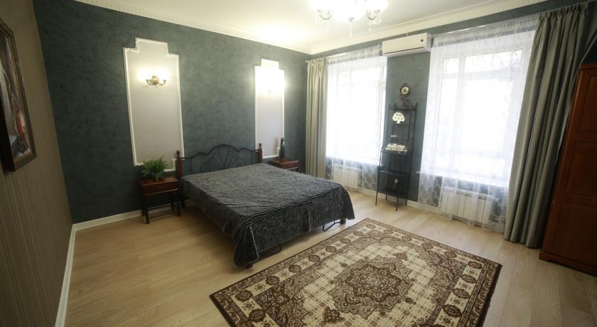Pogostite.ru - Отель Усадьба   Оренбург   сквер Степана Разина   Парковка #22