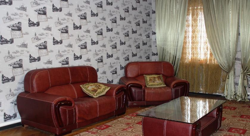 Pogostite.ru - Гостевой дом Комфорт | Майкоп | Государственная филармония | Парковка #9