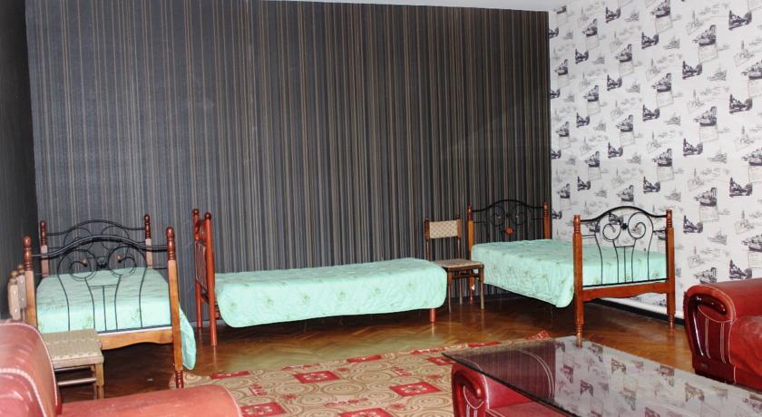 Pogostite.ru - Гостевой дом Комфорт | Майкоп | Государственная филармония | Парковка #10