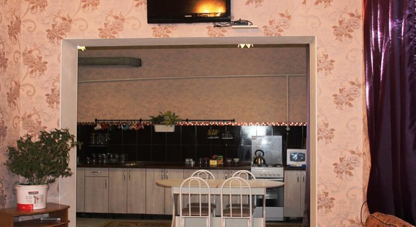 Pogostite.ru - Гостевой дом Комфорт | Майкоп | Государственная филармония | Парковка #12