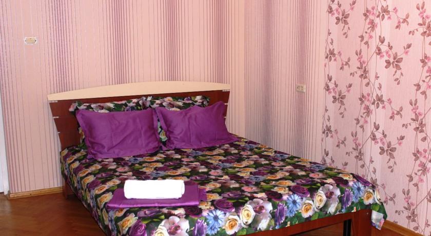 Pogostite.ru - Гостевой дом Комфорт | Майкоп | Государственная филармония | Парковка #4