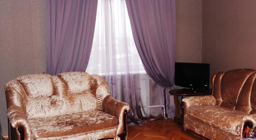 Pogostite.ru - Гостевой дом Комфорт | Майкоп | Государственная филармония | Парковка #6