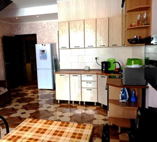 Pogostite.ru - Бунгало Таун Хаус на Банном | Зеленая поляна | оз. Банное | Сауна | #5