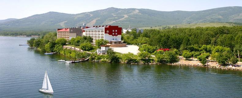 Pogostite.ru - Апартаменты на Курортная 33 | Зеленая Поляна | озеро Банное | Катание на лыжах #1