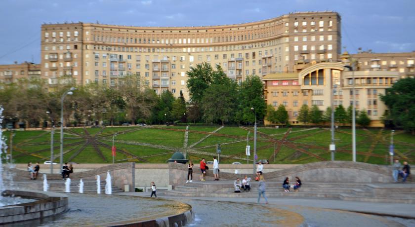 Pogostite.ru - АРТИСТ НА КИЕВСКОЙ | м. Киевская #2