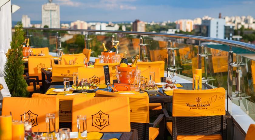 Pogostite.ru - Nobil Luxury Boutique Hotel   Кишинев   оз. Валя Малирол   Сауна   #3