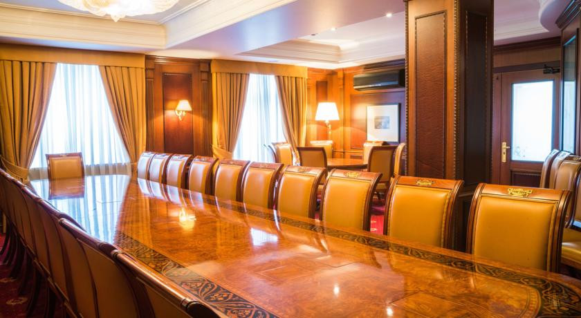 Pogostite.ru - Nobil Luxury Boutique Hotel   Кишинев   оз. Валя Малирол   Сауна   #31