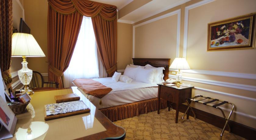 Pogostite.ru - Nobil Luxury Boutique Hotel   Кишинев   оз. Валя Малирол   Сауна   #21