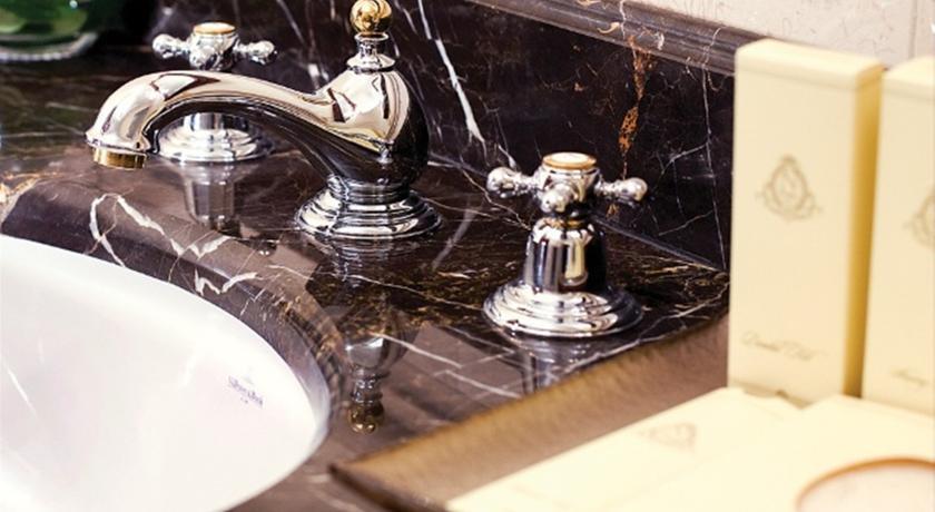 Pogostite.ru - Nobil Luxury Boutique Hotel   Кишинев   оз. Валя Малирол   Сауна   #29