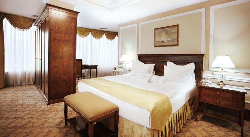Pogostite.ru - Nobil Luxury Boutique Hotel   Кишинев   оз. Валя Малирол   Сауна   #22