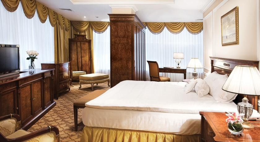 Pogostite.ru - Nobil Luxury Boutique Hotel   Кишинев   оз. Валя Малирол   Сауна   #23
