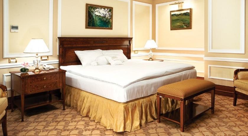 Pogostite.ru - Nobil Luxury Boutique Hotel   Кишинев   оз. Валя Малирол   Сауна   #25