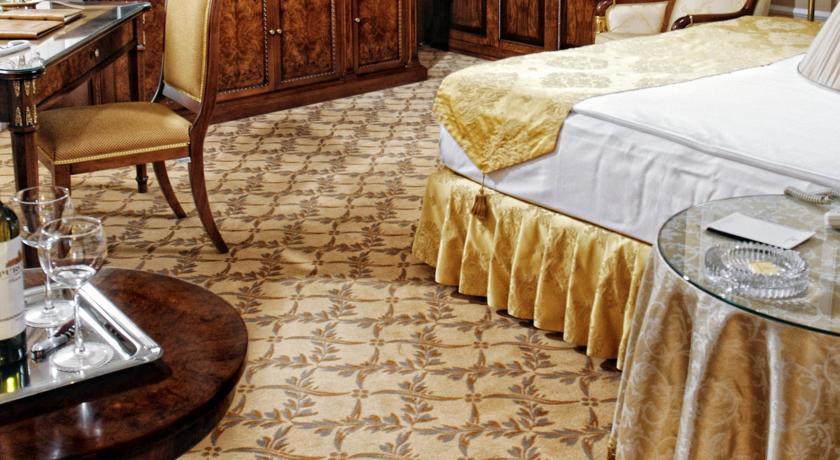 Pogostite.ru - Nobil Luxury Boutique Hotel   Кишинев   оз. Валя Малирол   Сауна   #7