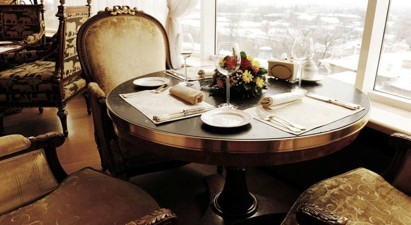 Pogostite.ru - Nobil Luxury Boutique Hotel   Кишинев   оз. Валя Малирол   Сауна   #4