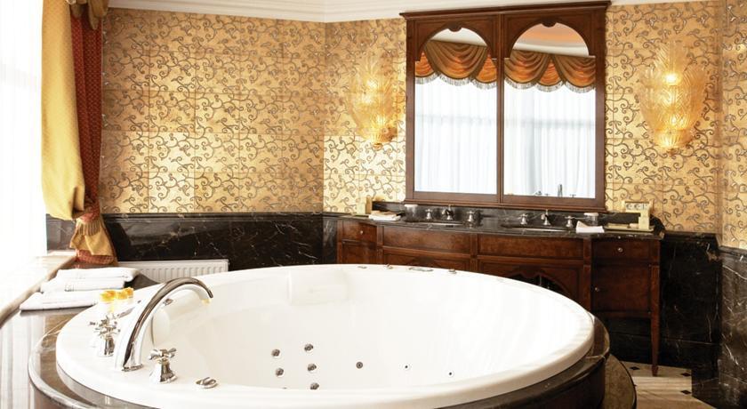 Pogostite.ru - Nobil Luxury Boutique Hotel   Кишинев   оз. Валя Малирол   Сауна   #28