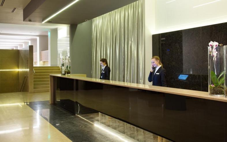Pogostite.ru - Four Elements Ekaterinburg   Double Tree by Hilton Hotel Ekaterinburg City Centre   Екатеринбург   Парковка #3