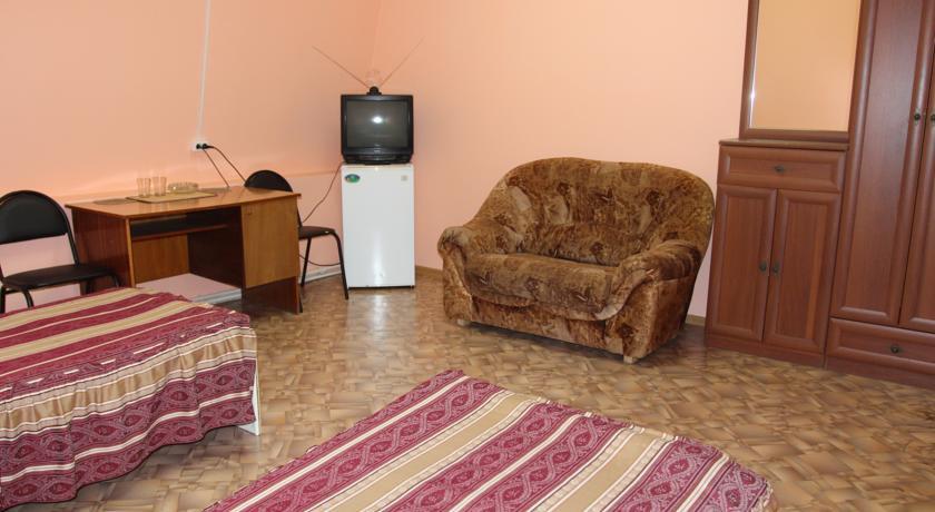 Pogostite.ru - Квант Отель   Якутск   сквер Декабристов   Парковка #16