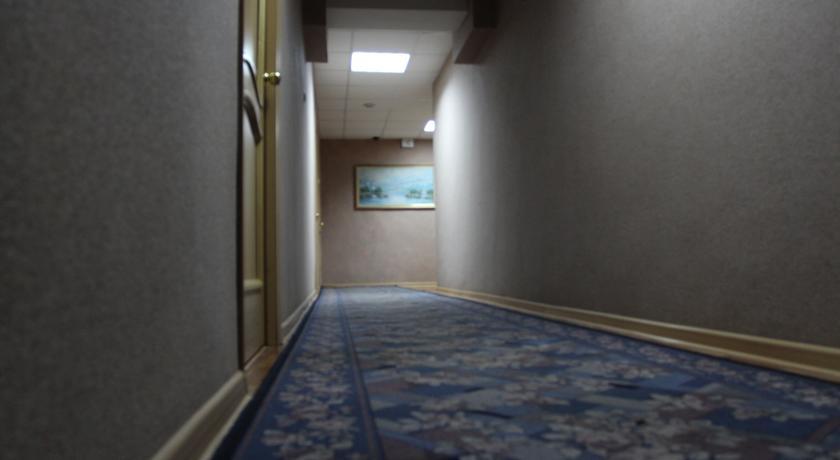 Pogostite.ru - Квант Отель   Якутск   сквер Декабристов   Парковка #3