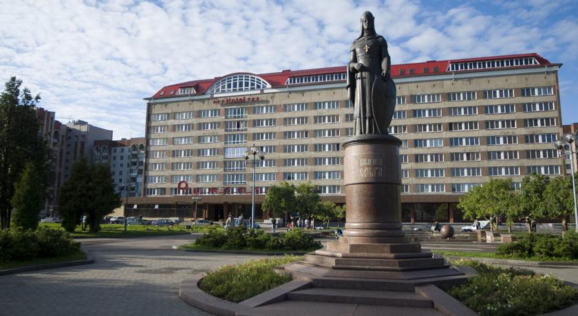 Pogostite.ru - Рижская Гостиница | Псков | Парковка #1