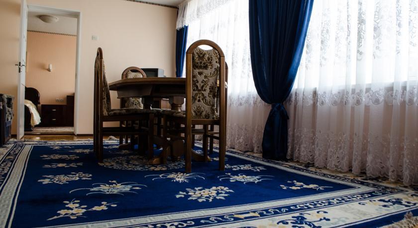 Pogostite.ru - Рижская Гостиница | Псков | Парковка #35