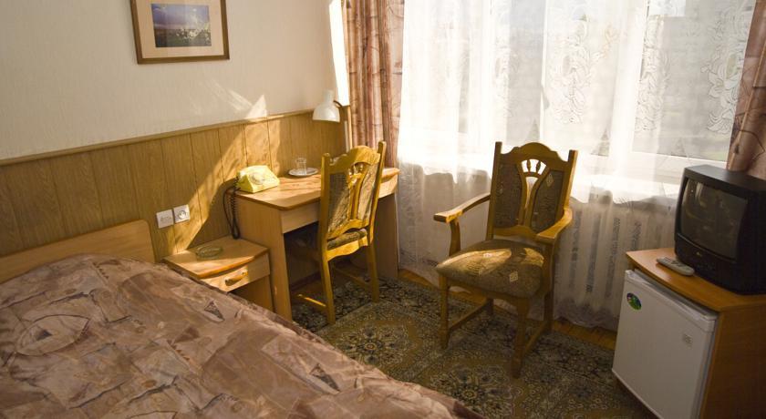 Pogostite.ru - Рижская Гостиница | Псков | Парковка #12