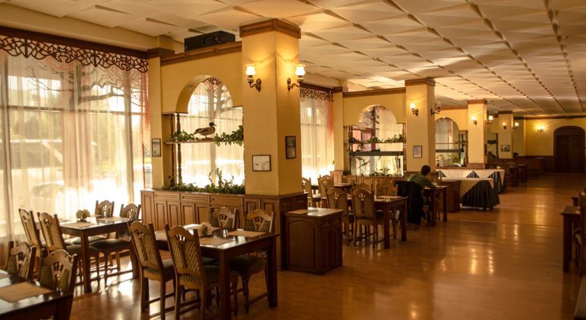 Pogostite.ru - Рижская Гостиница | Псков | Парковка #7