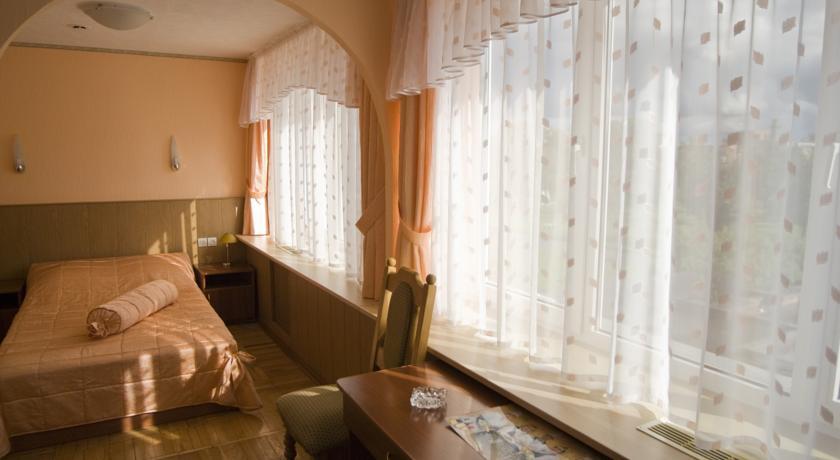 Pogostite.ru - Рижская Гостиница | Псков | Парковка #20
