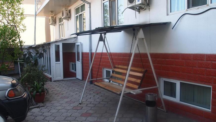 Pogostite.ru - Баяна | Ош | р. Акбура | Парковка | #2