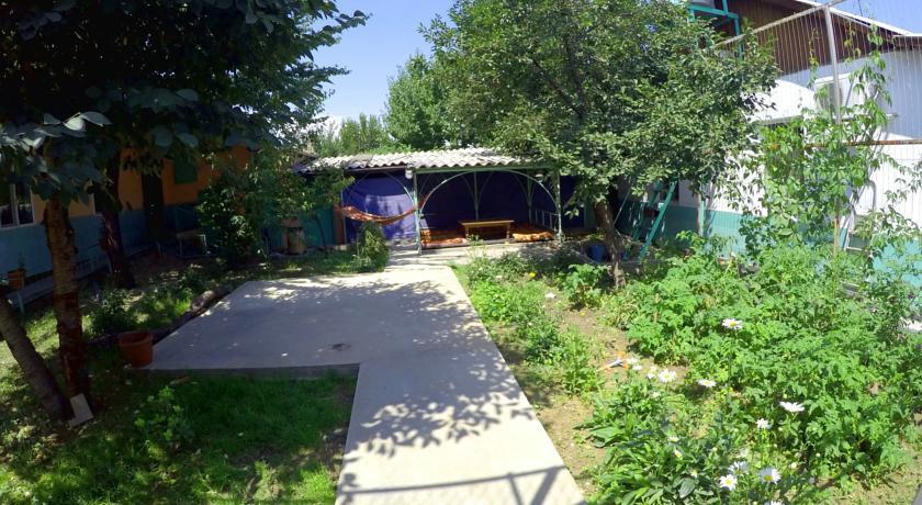 Pogostite.ru - Zhukovs' Guest House | Ош | городской музей | парковка #2