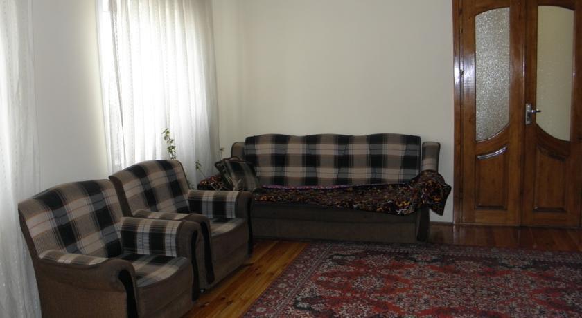 Pogostite.ru - Guest House CBT Kanishay  | Ош | Ошский драматический театр | парковка #13
