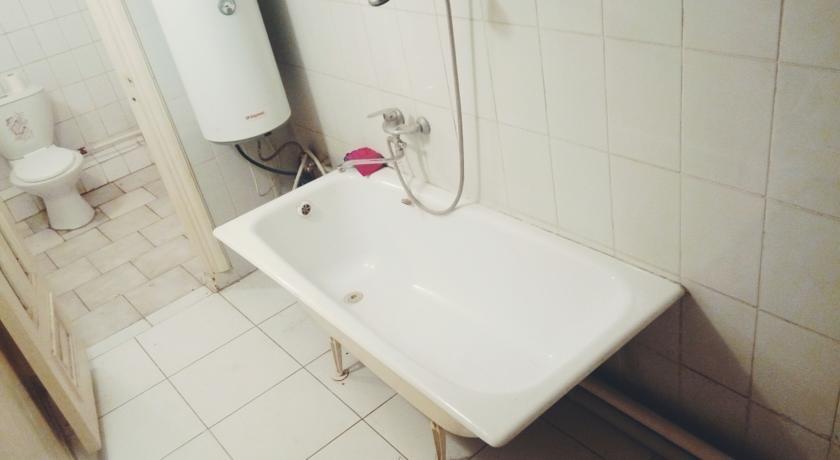 Pogostite.ru - Ia Maison Hostel | Ош | набережная реки Акбура | парковка #10
