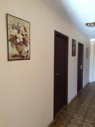 Pogostite.ru - Guesthouse Kalinina 10 | Чолпон-Ата | Центральный Парк Культуры и Отдыха | парковка #7