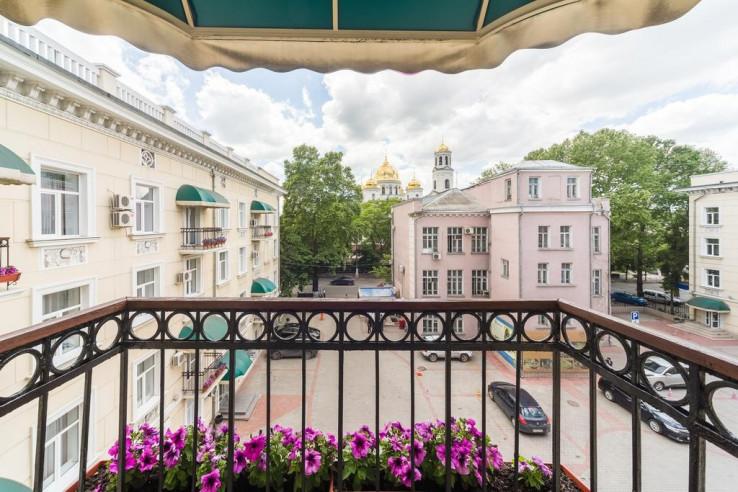 Pogostite.ru - Украина | Симферополь | сквер им. Суворова | Парковка #12