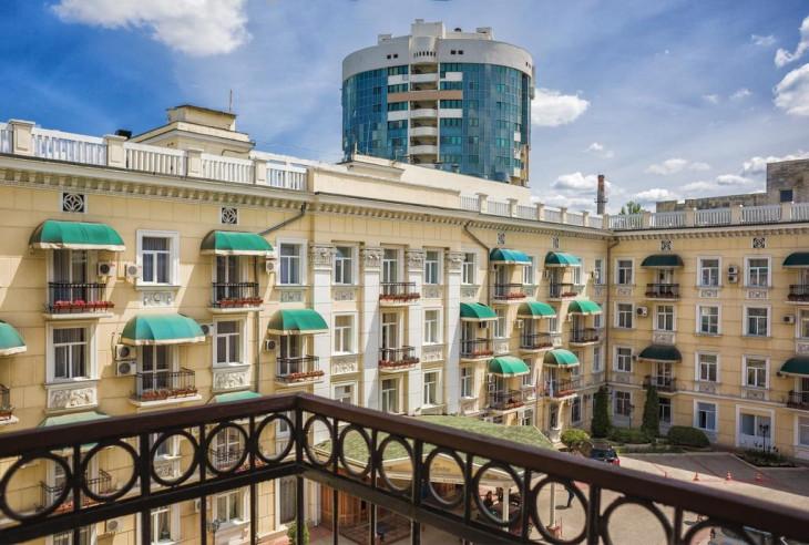 Pogostite.ru - Украина | Симферополь | сквер им. Суворова | Парковка #18