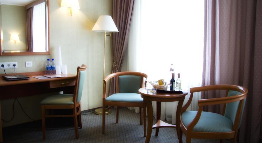 Pogostite.ru - ОЛД СТЕЙТ - Old Estate Hotel and SPA | г. Псков | аквацентр | парковка #36