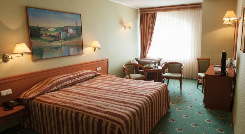 Pogostite.ru - ОЛД СТЕЙТ - Old Estate Hotel and SPA | г. Псков | аквацентр | парковка #18