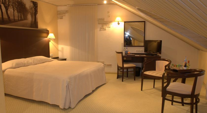 Pogostite.ru - ОЛД СТЕЙТ - Old Estate Hotel and SPA | г. Псков | аквацентр | парковка #25