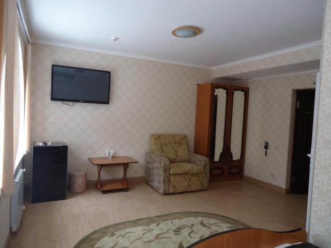 Pogostite.ru - Гостевой дом Теплый Номерок | Туапсе | Парковка #12