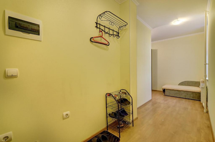 Pogostite.ru -  RestHouse Okna Pitera | м. Площадь Мужества | Парковка #19