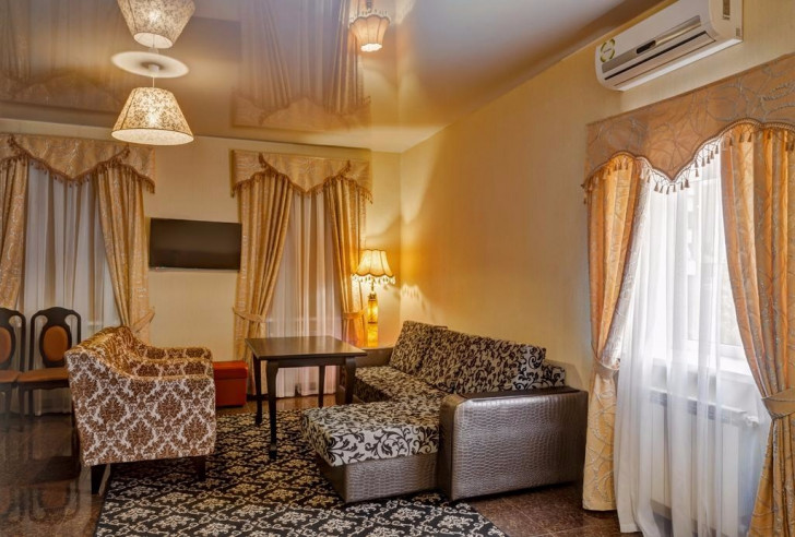 Pogostite.ru - Отель Наири | Nairi Hotel | Волгоград | р. Волга | Парковка #12