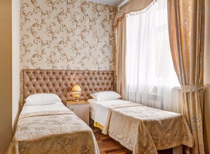 Pogostite.ru - Отель Наири | Nairi Hotel | Волгоград | р. Волга | Парковка #9