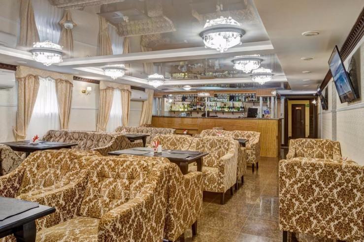 Pogostite.ru - Отель Наири | Nairi Hotel | Волгоград | р. Волга | Парковка #7