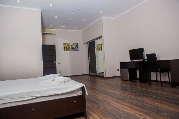 Pogostite.ru - Boutique Hotel Loft | Бутик-отель Лофт | Самара | р. Волга | Парковка #7