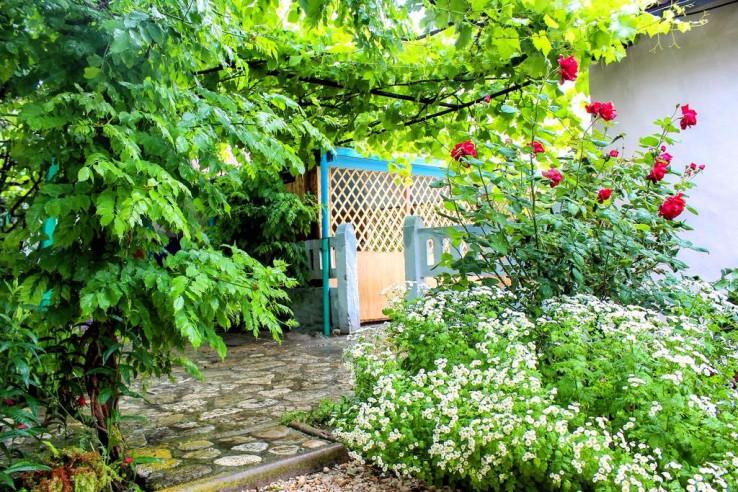 Pogostite.ru - Гостеприимный Двор на Набережной | Марьино | пляж | Парковка #1