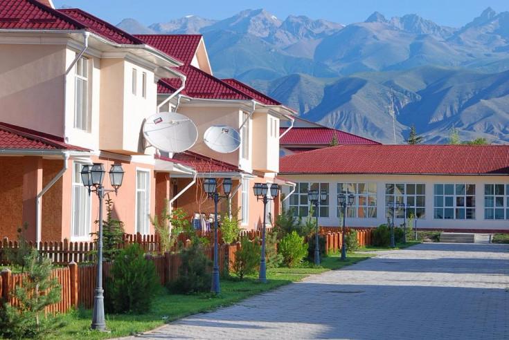 Pogostite.ru - Talisman Village Hotel | Талисман | Бостери | о. Иссык-Куль | Парковка #8