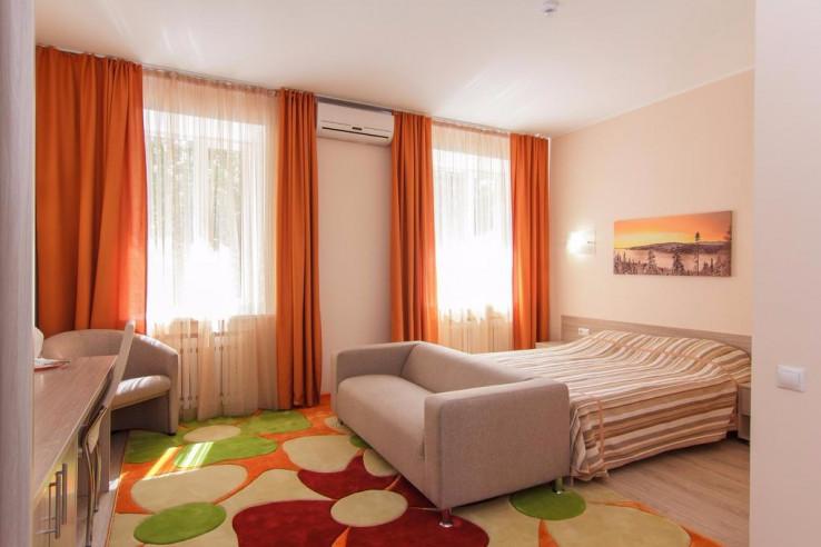 Pogostite.ru - Парк Отель Алмаз | Рубцовск | оз. Ракиты | парковка #9