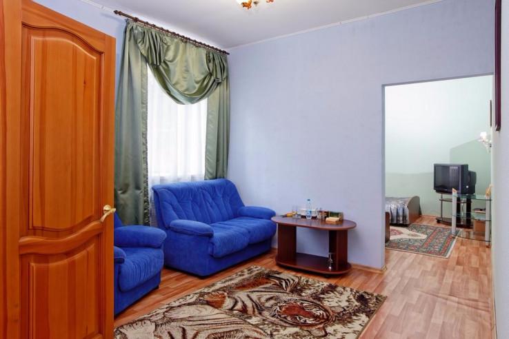 Pogostite.ru - Парк Отель Алмаз | Рубцовск | оз. Ракиты | парковка #5