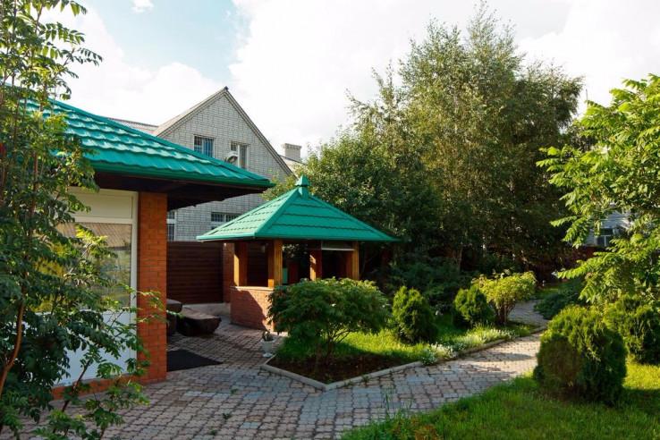 Pogostite.ru - Парк Отель Алмаз | Рубцовск | оз. Ракиты | парковка #1