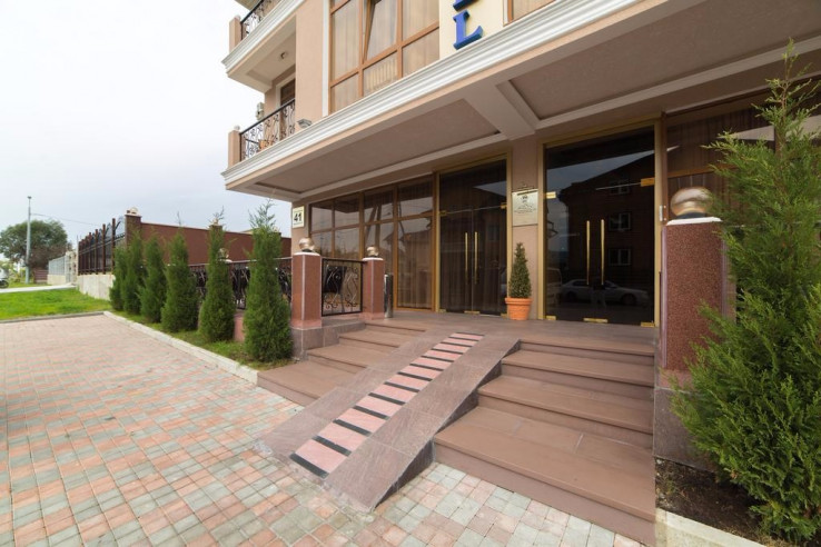 Pogostite.ru - ANI Boutique Hotel   Олимпийский парк Сочи   Черное море   Парковка #8